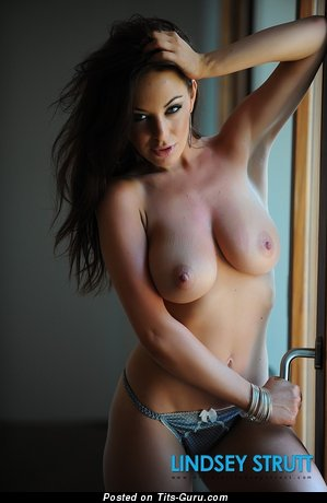 Lindsey Strutt - nude amazing woman with big natural boobs image