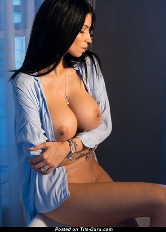 Image. Naked hot woman with medium tittys image