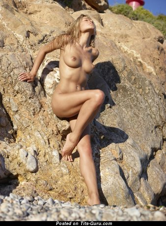Image. Naked beautiful female picture