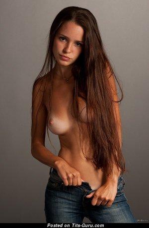 Image. Naked beautiful girl with medium natural tittys image