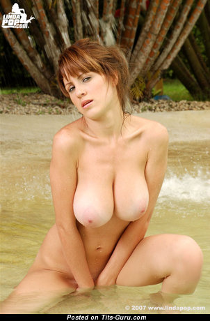 Alicia Cano - naked latina with big natural tittes photo