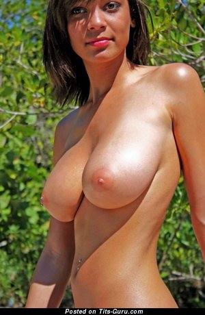 Jessica Berger - Gorgeous American Brunette Babe with Gorgeous Bald Natural C Size Tots (Xxx Pic)