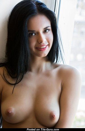 Carmen - Beautiful Undressed Babe & Girlfriend (Hd Sexual Picture)