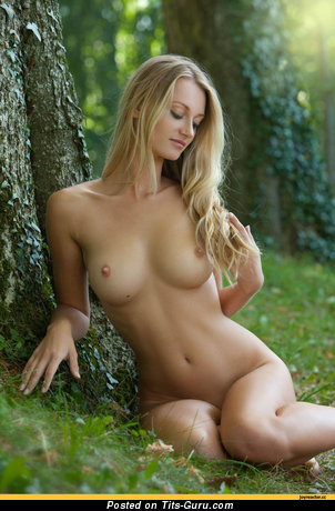 Image. Naked amazing lady with medium natural breast picture