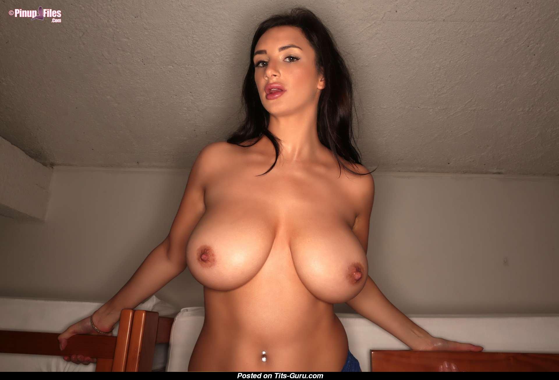 Jacqueline macinnes wood naked