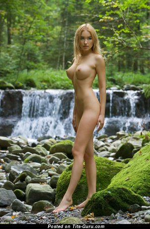 Fine Floozy with Fine Naked Big Sized Tit (Hd Sexual Picture)