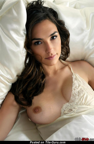Gal Gadot - topless brunette with medium breast and big nipples picture