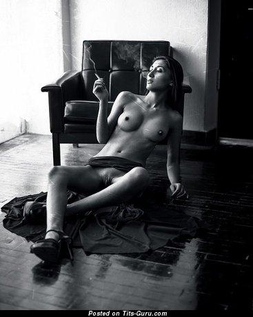 Image. Naked awesome woman image