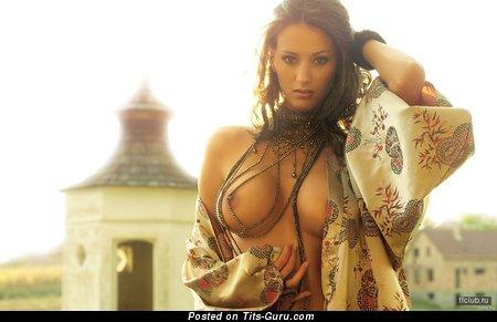 Pretty Dame with Pretty Defenseless Soft Tittes (Porn Photoshoot)
