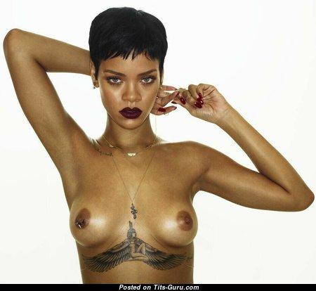 Rihanna Boobs Nude