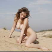 Jennifer L - amazing female with big natural breast photo