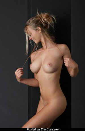 Nude hot woman with medium boobs picture