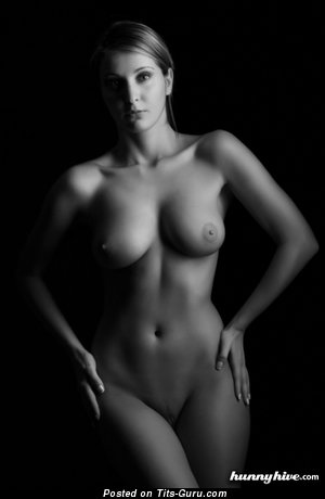 Iva - sexy amateur nude blonde with medium natural tittes and big nipples image