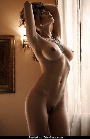 Горячая нагая баба (эротическое фото)
