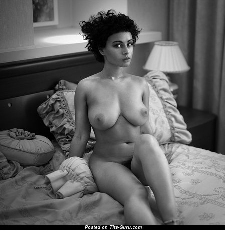 Image. Beyonce Spitz - naked wonderful woman with big natural boob image