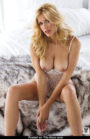 Kennedy Summers - Good-Looking Topless American Playboy Blonde Babe with Good-Looking Bare Real Soft Titty & Large Nipples (Sexual Picture)