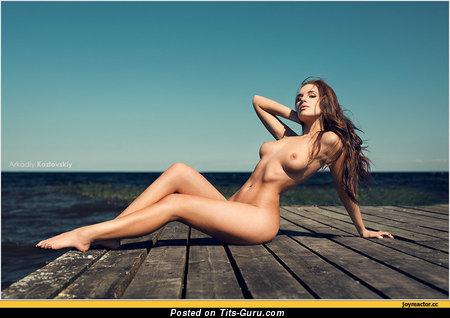 Image. Nice woman with medium natural boobs pic