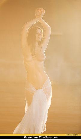 Image. Naked beautiful girl with medium natural breast image
