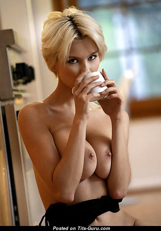 Macha Chi - Good-Looking Unclothed Blonde (Xxx Photoshoot)
