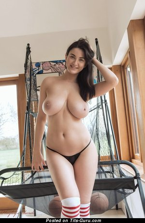 Sexy nude brunette with big natural boobies pic