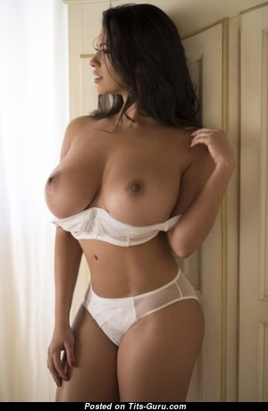 Dazzling Babe with Lovely Exposed Normal Knockers (Xxx Photo)
