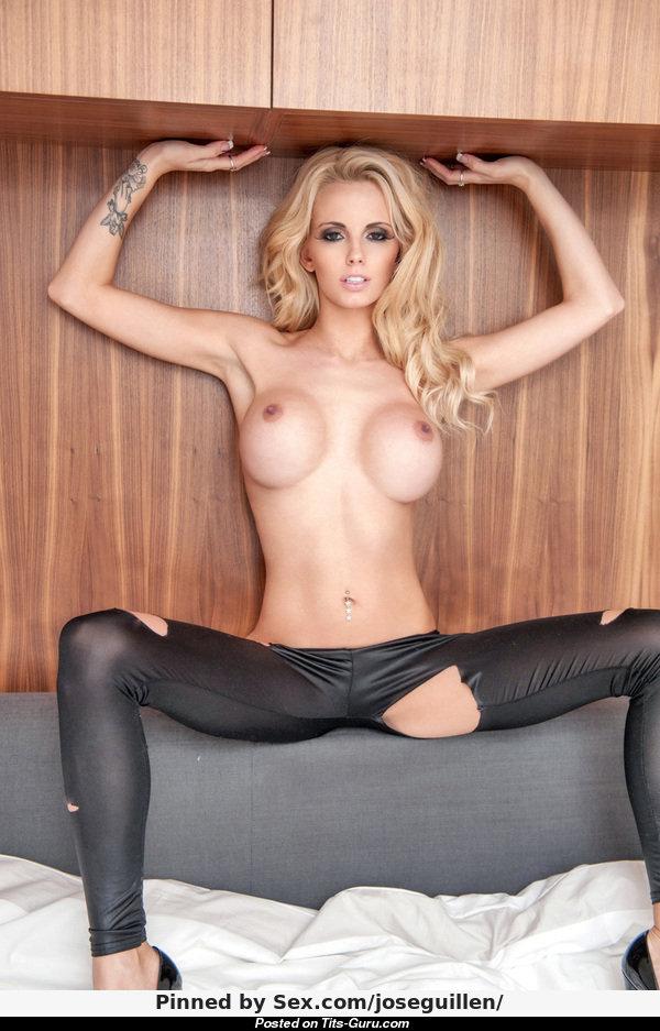 Ass in pantyhose nude