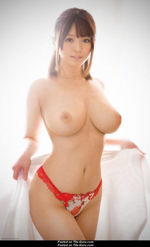 Topless Asian Babe With Open Natural D Size Titty Xxx -1871