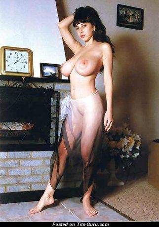 Изображение. Yulia Nova - фотография офигенной рыжей негритянки топлесс с большими натуральными сиськами