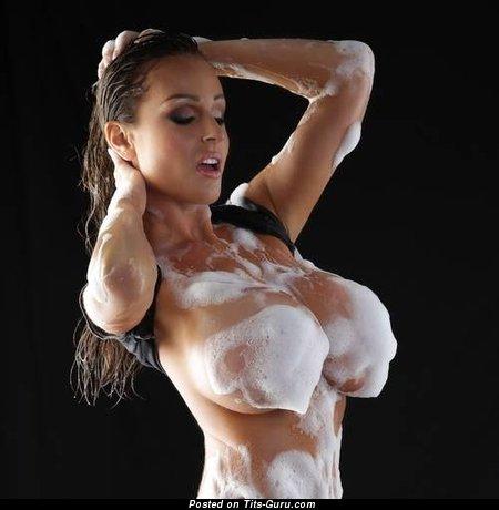 Jordan Carver - sexy naked brunette with huge fake breast pic