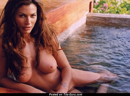 Image. Carre Otis - nude beautiful female with big natural boobies image