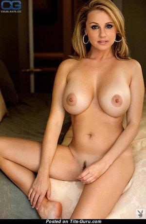 Emesha Gabor - Superb Unclothed Canadian Blonde Mom (Xxx Pix)