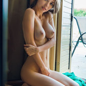 Sexy nude amazing girl with natural tittys picture