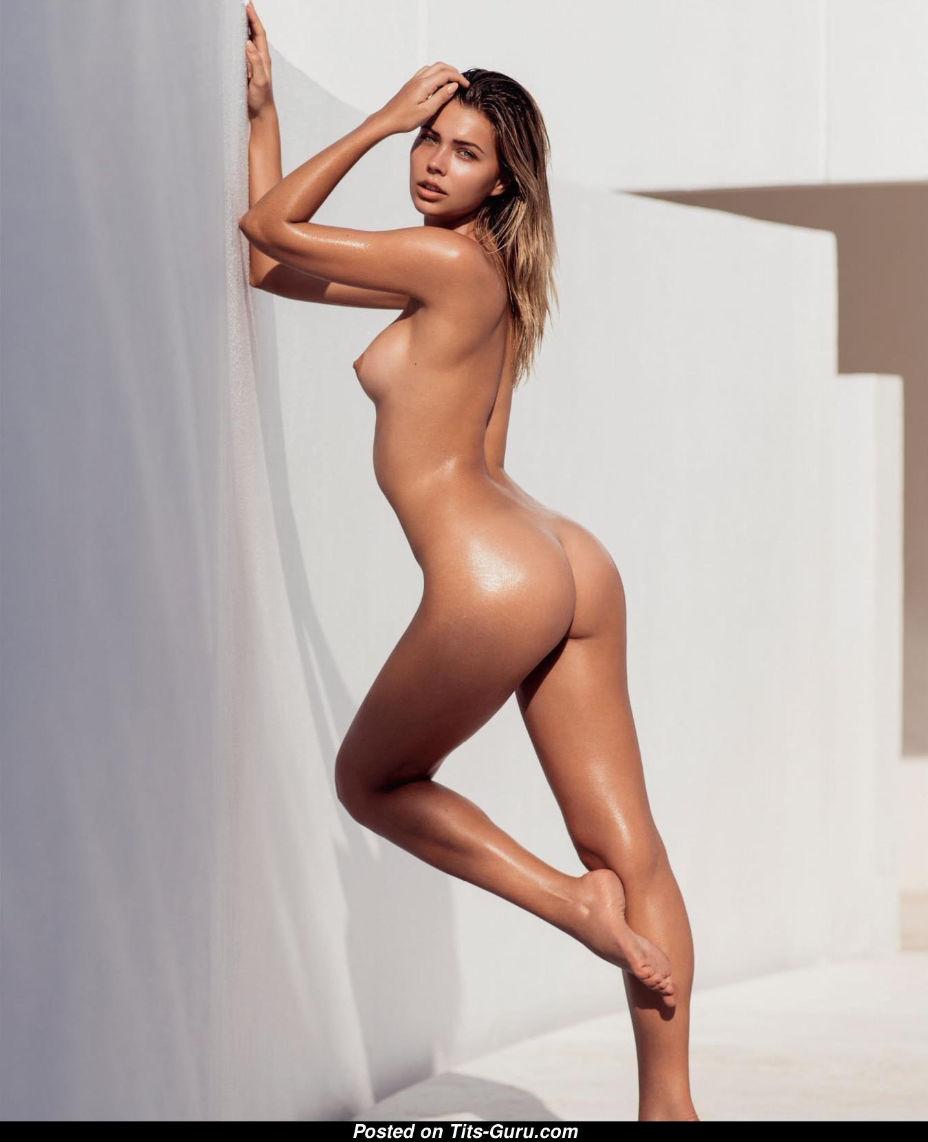 Prikker naked sandra Sandra Prikker