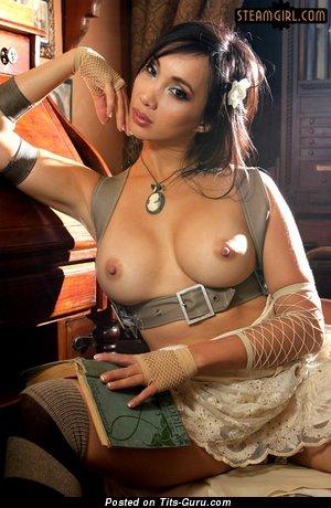 Изображение. Фото сексуальной обнажённой девушки