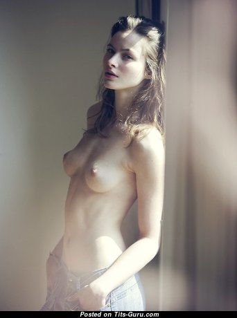 Fine Glamour Babe with Fine Exposed Natural Tiny Boobs & Big Nipples (Sexual Picture)