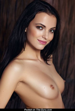 Stunning Woman with Stunning Nude Natural Tits (Hd 18+ Photo)