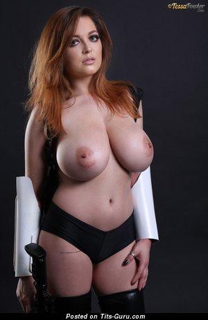 Изображение. Tessa Fowler - изображение невероятной голой женщины с большими сиськами