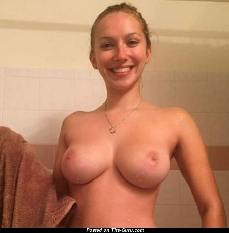 Amazing Topless & Wet Blonde with The Best Naked Natural Boobie (Sexual Photoshoot)