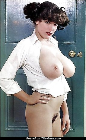 Splendid Lady with Splendid Bare Real Big Sized Busts (Xxx Foto)