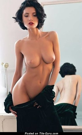 Gorgeous Dame with Gorgeous Bald Natural D Size Breasts (Sexual Foto)