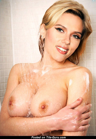 Sweet Topless Blonde in the Shower (Hd Xxx Image)
