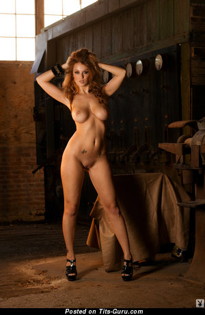 Image. Leanna Decker - sexy nude brunette with big boobies pic
