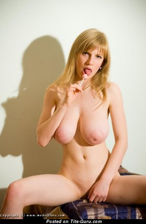 Alena A Modelflats: naked nice girl with big natural breast image