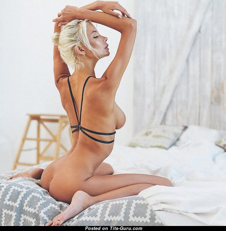 Exquisite Glamour Unclothed Playboy Babe (Hd Xxx Wallpaper)