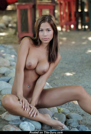 Image. Naked awesome girl with medium tittys image