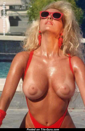 Amy Lynn Baxter - Gorgeous Topless American Blonde Actress & Pornstar with Gorgeous Naked Natural Regular Tittys (Vintage Sex Photo)