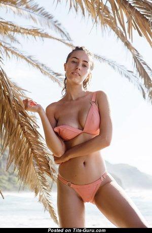 Anthea Page - Beautiful Non-Nude & Wet Australian Red Hair Babe with Beautiful Real Titties & Sexy Legs in Bikini on the Beach (Hd Sexual Foto)