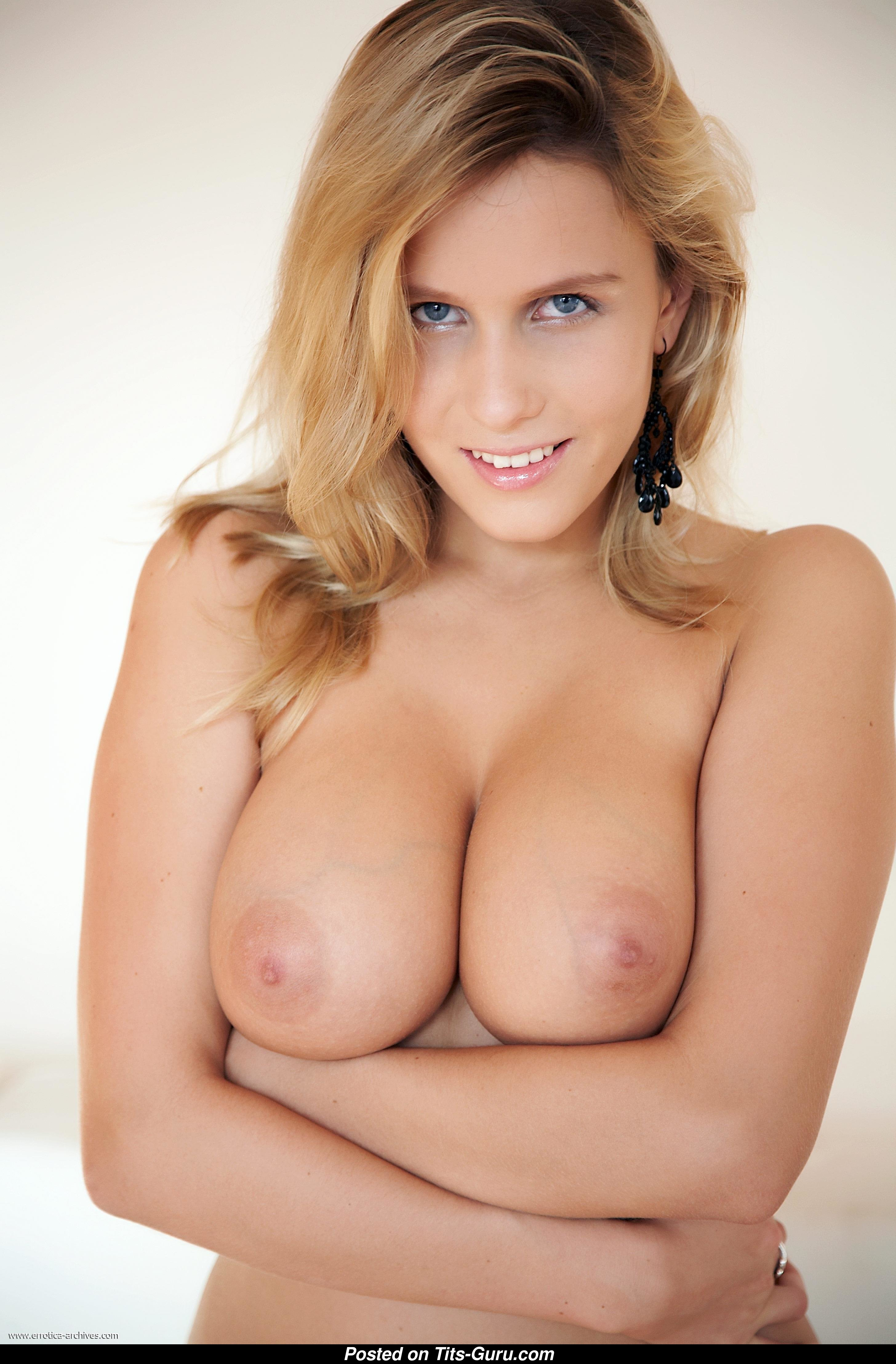 Keira Moon - Topless  Glamour Blonde With Open Real -1126