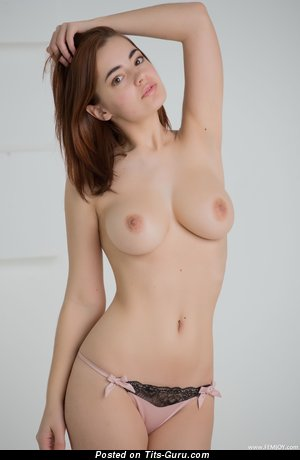 Image. Kamilla J - naked beautiful lady with medium boob photo