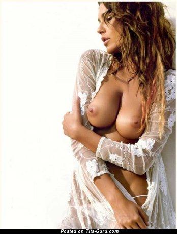 Alena Seredova - naked brunette with big natural boobs photo